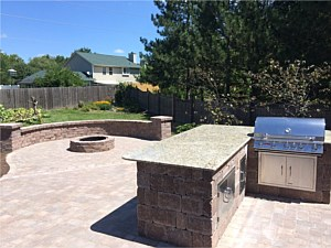 Kitchen/Bar Area, Patio, Firepit & Wall